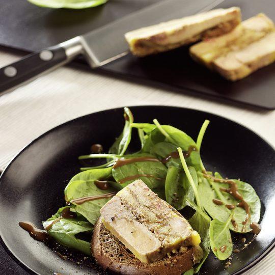 Photo de la recette <span>Terrine de foie gras, pommes et figues moelleuses</span>
