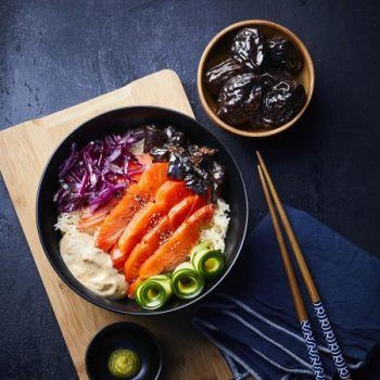 Photo du produit <span>Sashimi bowl with prunes</span>
