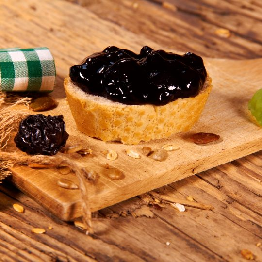 Photo de la recette <span>Prune jam with dried fruit and nuts</span>